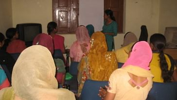 Women of Tikli and Aklimpur villages in Haryana attending a training session. (Credit: Hemlata AithaniWFS)