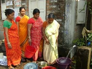 Women of Jyoti Nagar at the stand post water tap.