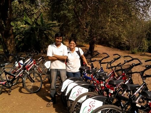 Raj Janagam and Jui Gangan, founders of Cycle Chalao