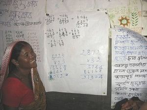 Leaning to recognise numbers to count money - this was the main reason why the women of Purulia decided to become literate in the first place. (Credit: Pradan)