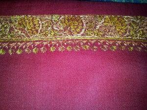 Sozni embroidery on semi-pashmina woollen cloth - Uri, Kashmir