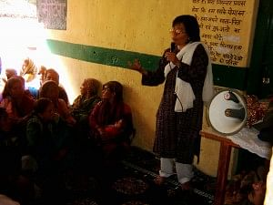 motivating-womenfolk-of-Bhyundar-300x225