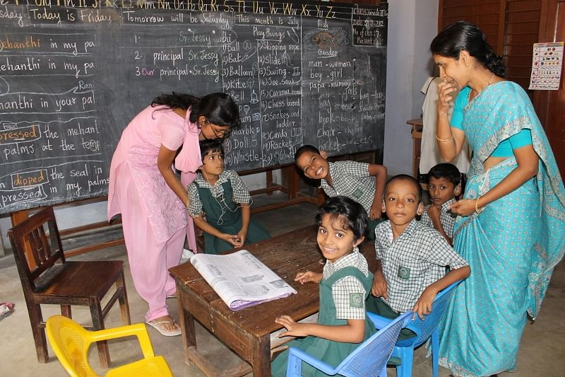 Students of Class II, posing for my camera