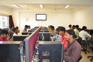 Unnati believes that one of the main reasons the youth are unable to get employment is due to lack of basic computer skills. This training in provided to the selected candidates along with other skills training.
