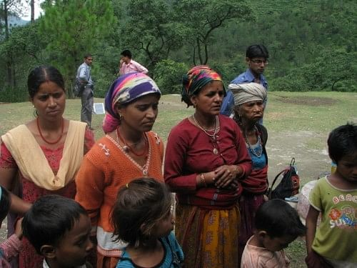 Villagers of New Didsari sharing their plight with Bachendri Pal