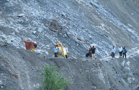 The suicidal pass-through with medicines over Neelu Pani landslide near Darasu Bend at night