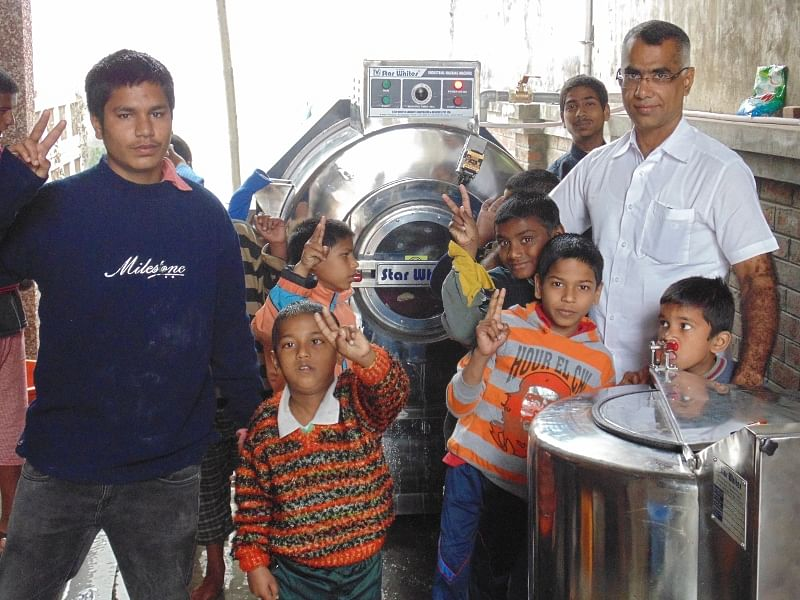 The Chennai Doctors Team and their friends managed to procure a heavy duty washing machine to ease the lives of these children