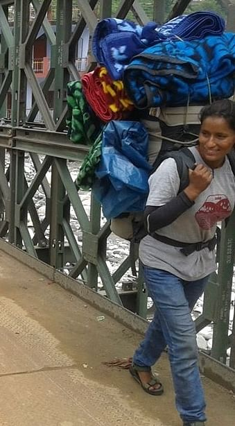 mamta with load walking up to Didsari