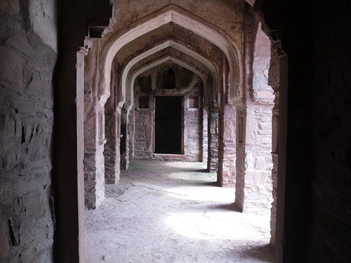 "Inside the ""spooky"" Bhangarh Fort (Credit: Arindambasu2, Courtesy: Wikepedia)"