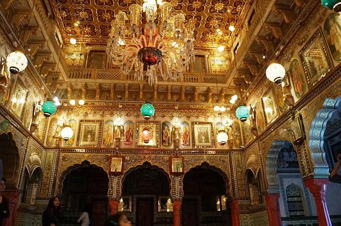 Jain temple, Churu