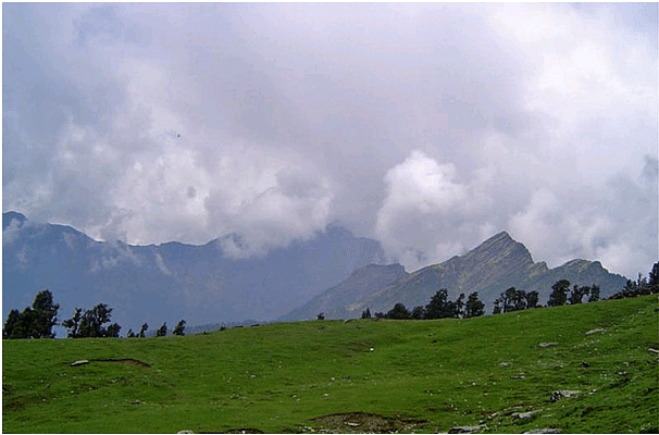 summer winter monsoon or spring some of s best trekking  photo credit saurabh chatterjee flickr