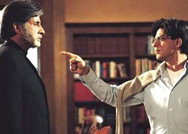 Amitabh Bachhan (left) and Shahrukh Khan in Mohabbatein.