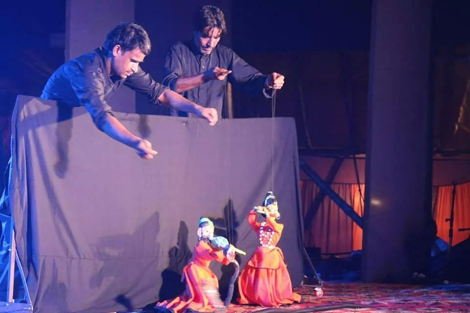 The Kayakalp team enables the puppeteers to get better work opportunities by connecting them to better clients and training them with various styles of puppetry.