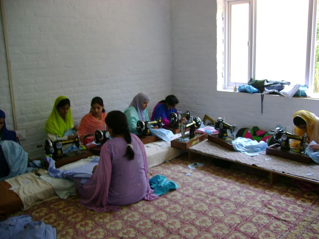 Nighat Shafi Pandit worked hard to set up handicraft centres in and around the Valley to train women to create exquisite Kashmiri handicraft and weaves.