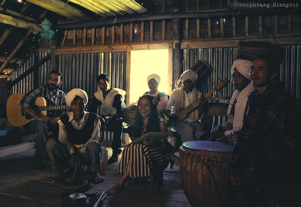 Rida Gatphoh composes tunes along with her band of gifted folk artistes from her home state Meghalaya and together they put up an authentic Khasi show. (Ninglun Hanghal\WFS)