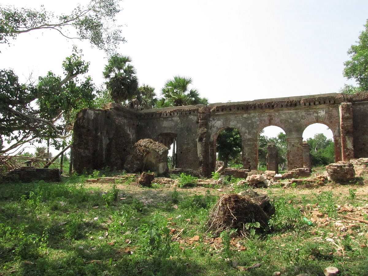 Remains of the ancient building that existed during the trade. Photo Courtesy: Muthukumaran pk/ Wikipedia