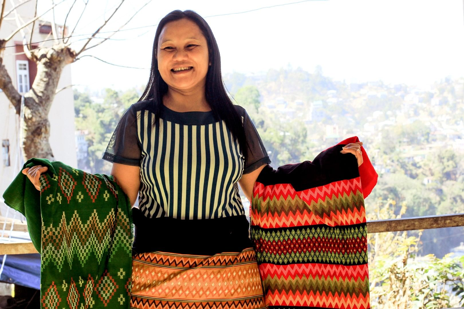 The amazing shauls and handicraft items help this family to secure a better future for their kids.