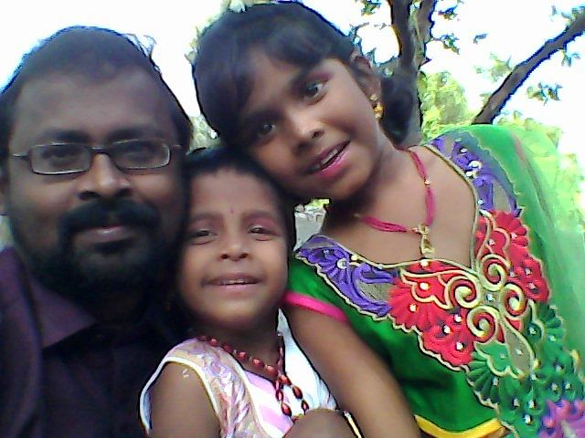 Haran Suba with his children.
