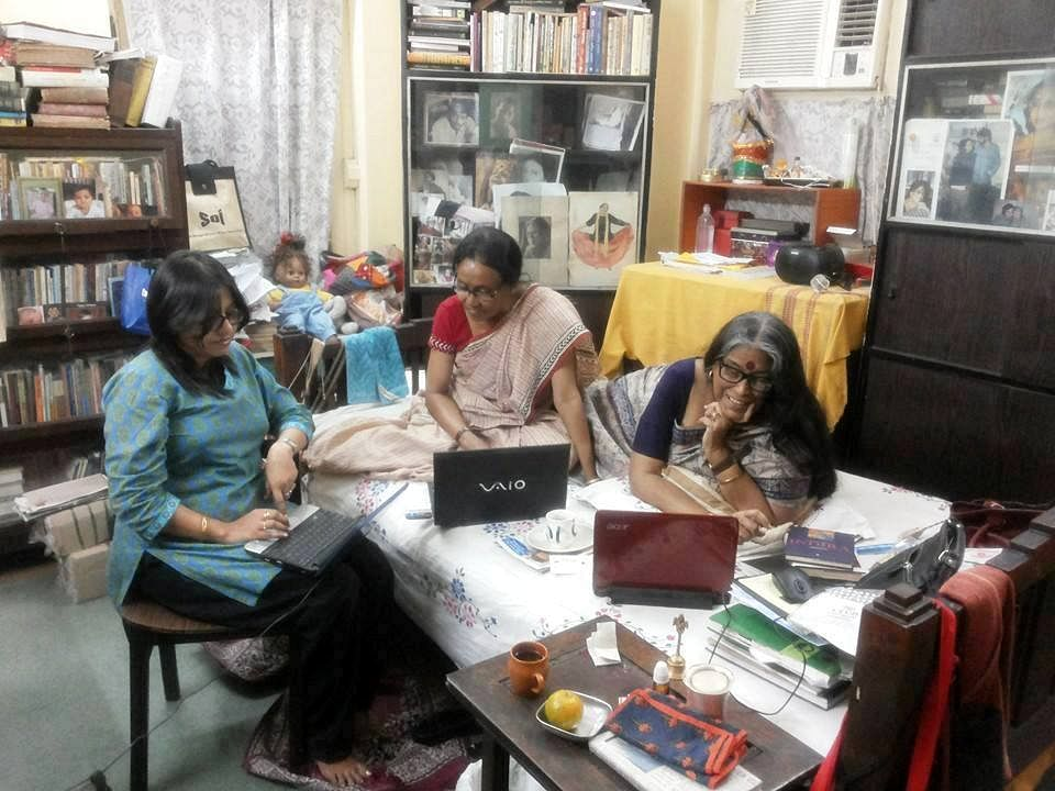 The team of Soi – Women Writers' Association of Bengal with celebrated Bangla writer Nabaneeta Dev Sen, who is the president the group. (Credit: Soi)