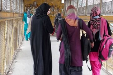 Today, Kashmiris are looking for change – as amply displayed with the unprecedented voter turnout during the recent polls – and some enterprising women are even leading this bid for transformation. (Credit: Sana Altaf\WFS)