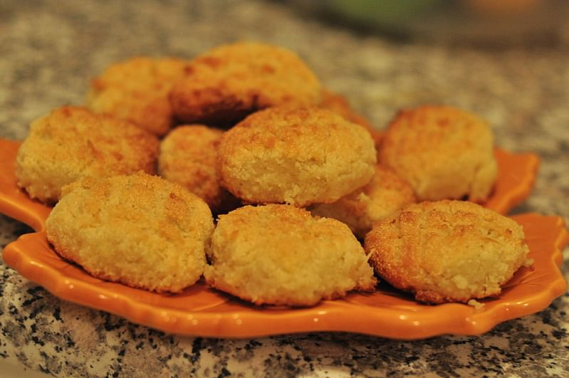 This Christmas, whip up a batch of Bolinhos, crunchy Goan cookies, made with coconut and semolina.