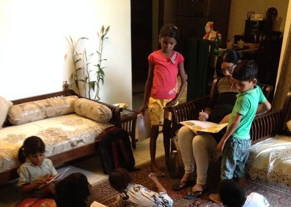 This Lady Is Leading Underprivileged Kids Towards Quality Education In Her Living Room