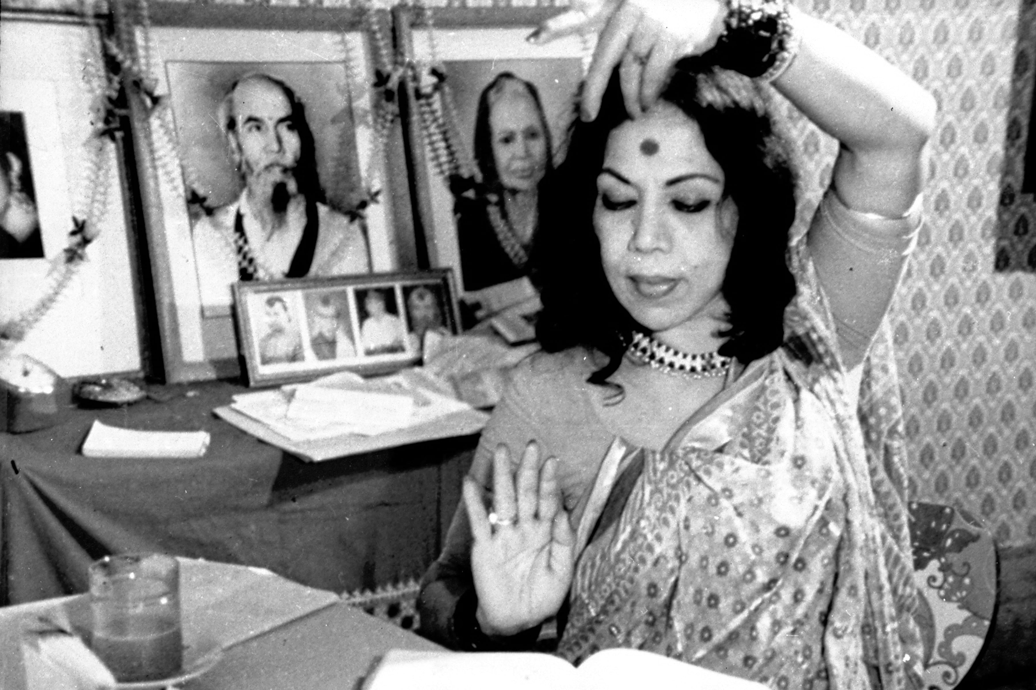 Although Sitaraji is no longer with us her legacy, the fragrance of the ethos and free spirit of the 'ang' and the 'andaz' (style) of the Benaras gharana lives on.