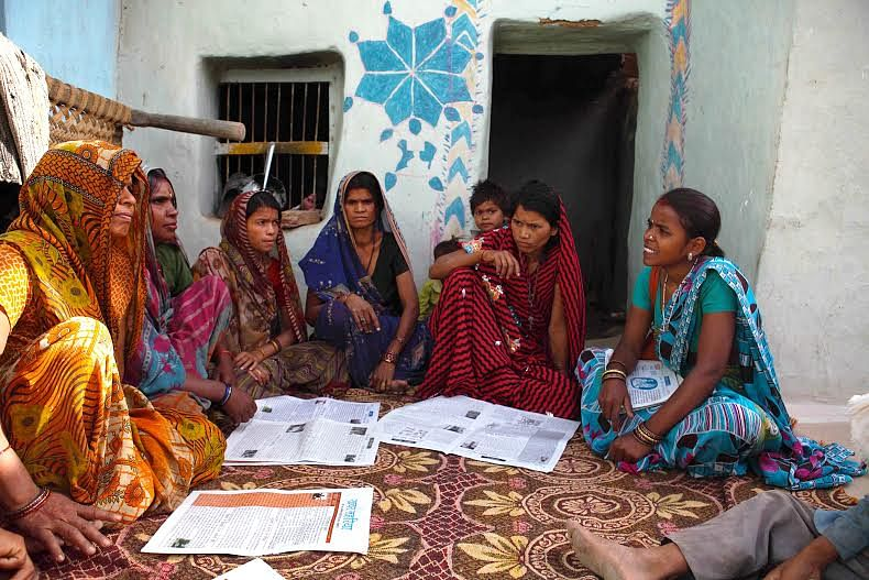 'Khabar Lahariya', a popular vernacular weekly brought out from Banda, Chitrakoot, Faizabad, Lucknow, Mahoba (in UP) and Sitamarhi (in Bihar), has involved many rural women to become an intrinsic part of a massive media movement at the grassroots.