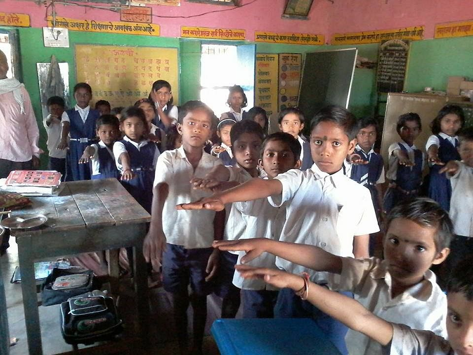 School students taking pledge for Clean India in Mohgata (Sakoli, Maharastra).
