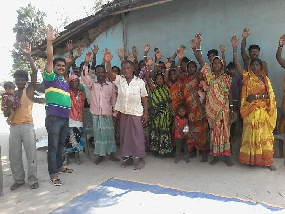 Rai Tola Village members enthusiastically pledging for Swachh Bharat in Malda district (Bengal)