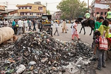 3035492-poster-p-1-a-startup-offers-a-sustainable-alternative-to-chaotic-garbage-handling-in-india