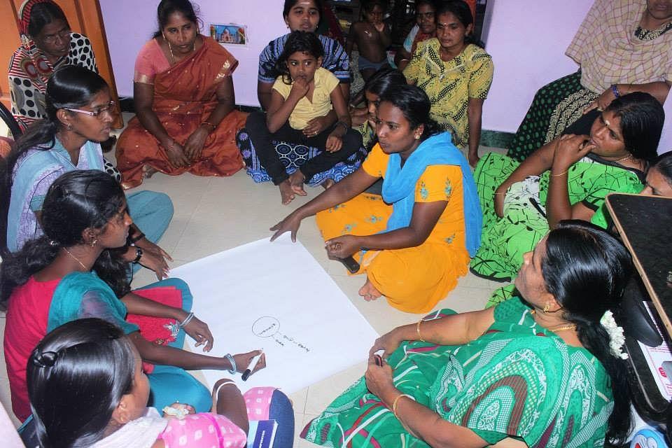 Radio Rathinavani conducting a mind map excercise with community members