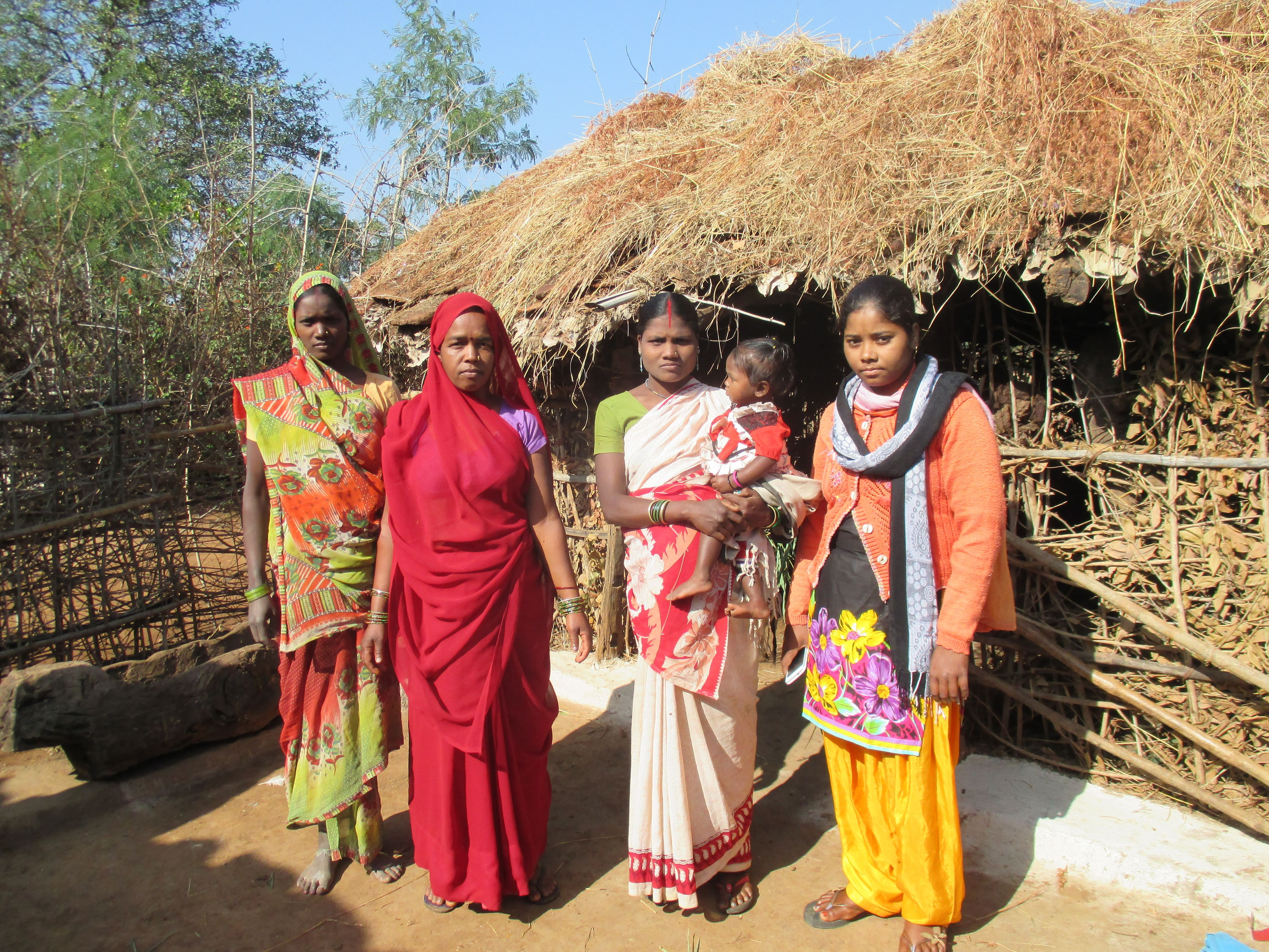 Kusumlata Bhavedi (extreme right), 25, of Bhatgaon village in Mandla district of Madhya Pradesh is an exceptional Gond tribal woman who is spreading awareness on issues like health and nutrition, education and rights to enable the local community to fight poverty and hunger. (Credit: Shuriah Niazi\WFS)