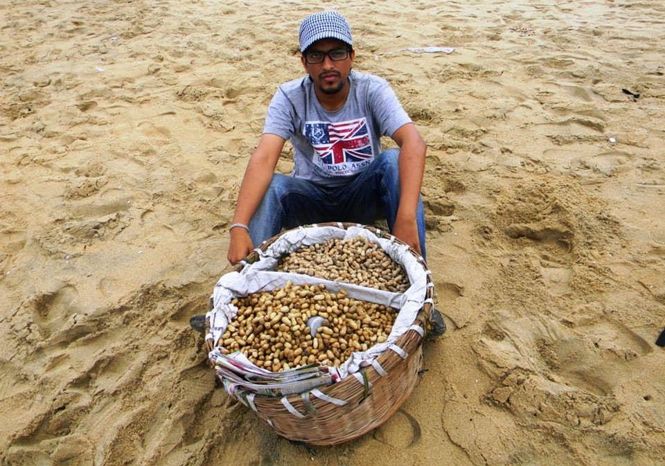 Job 11, Beachside Sundal Seller, Tamil Nadu.