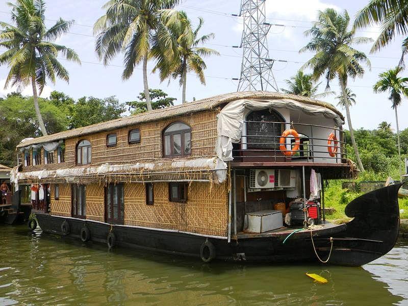 Job 12, Boat House Driver, Kerala.