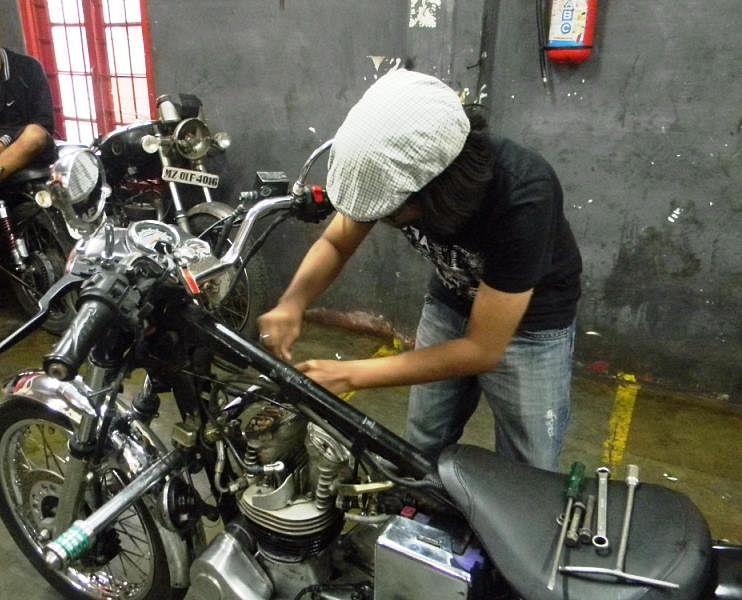 Job 26, Bullet mechanic, Mizoram.