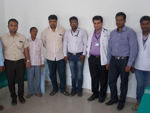 Dr. Swapnil Mane with his team. (From left to right: Dr. Pramod Nishigandha, Dr. Yele, Dr. Anant Shekokar, Dr. Bharat Temak, Dr. Swapnil Mane, Dr. Mahesh Kadam, Mr. Yogesh Sajgure)