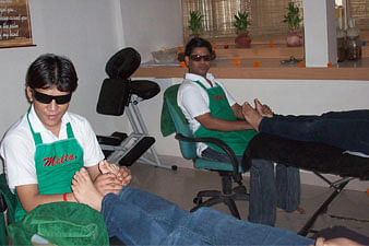 Visually Impaired Therapists at the Metta Spa