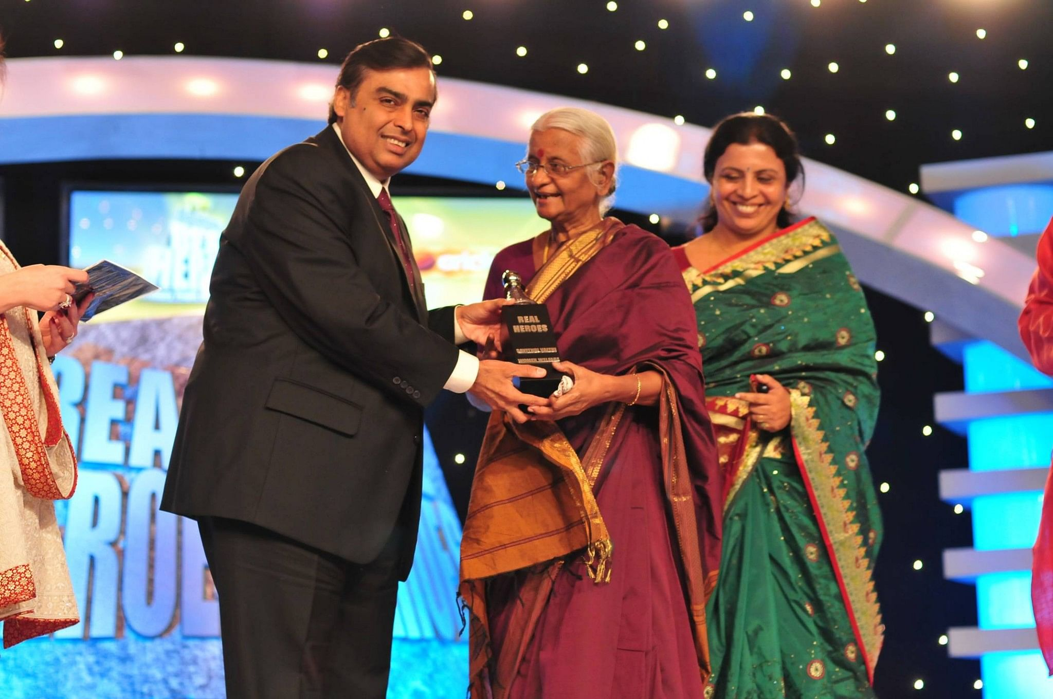 Savithri (center) along with Srilekha (right) at the CNN IBN awards.