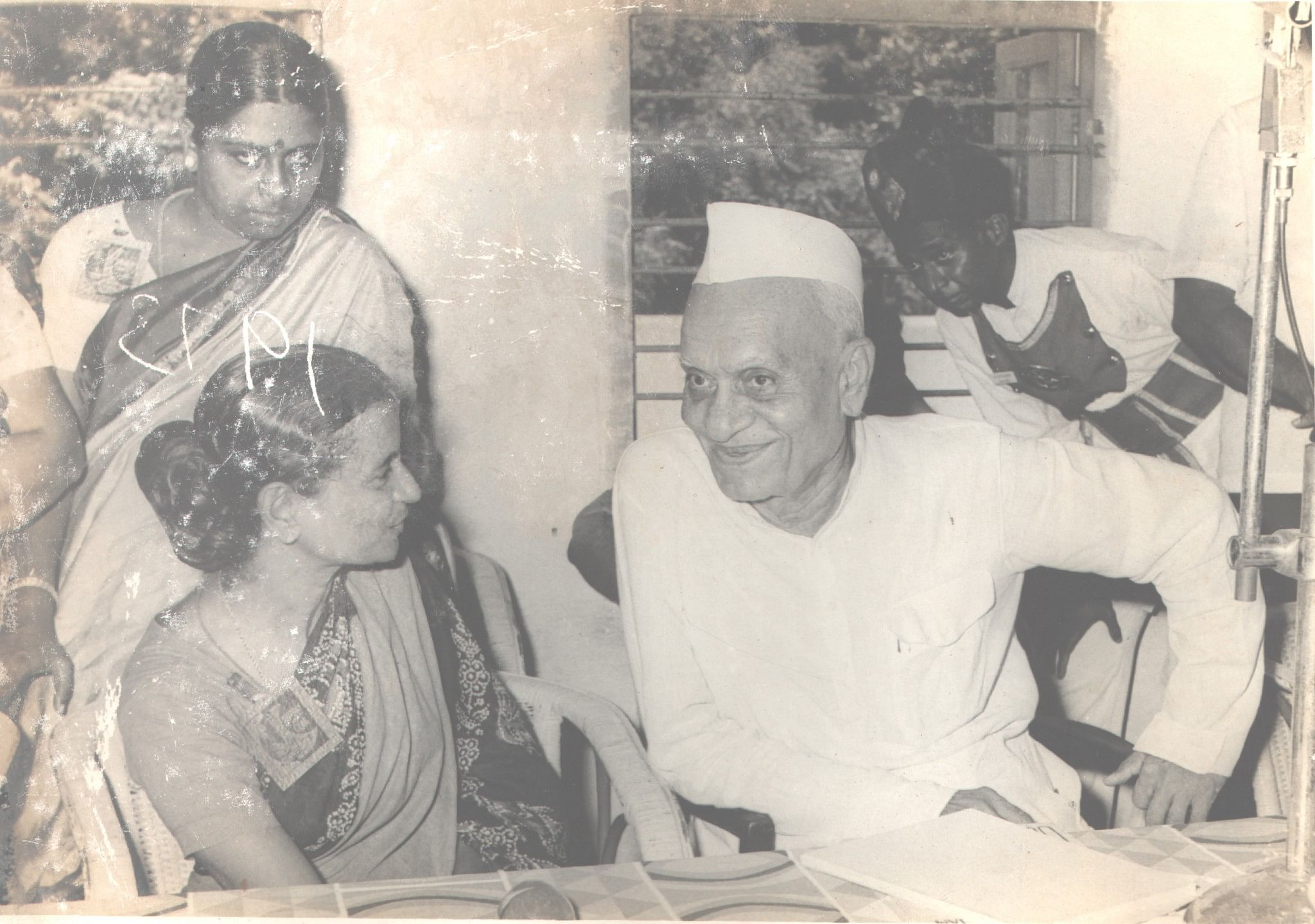 Savithri with one of the earliest Governor of Tamil Nadu Late Shri Prabhudas Patwari who laid the foundation of Vishranthi for the buidling on which it stands tough to this day