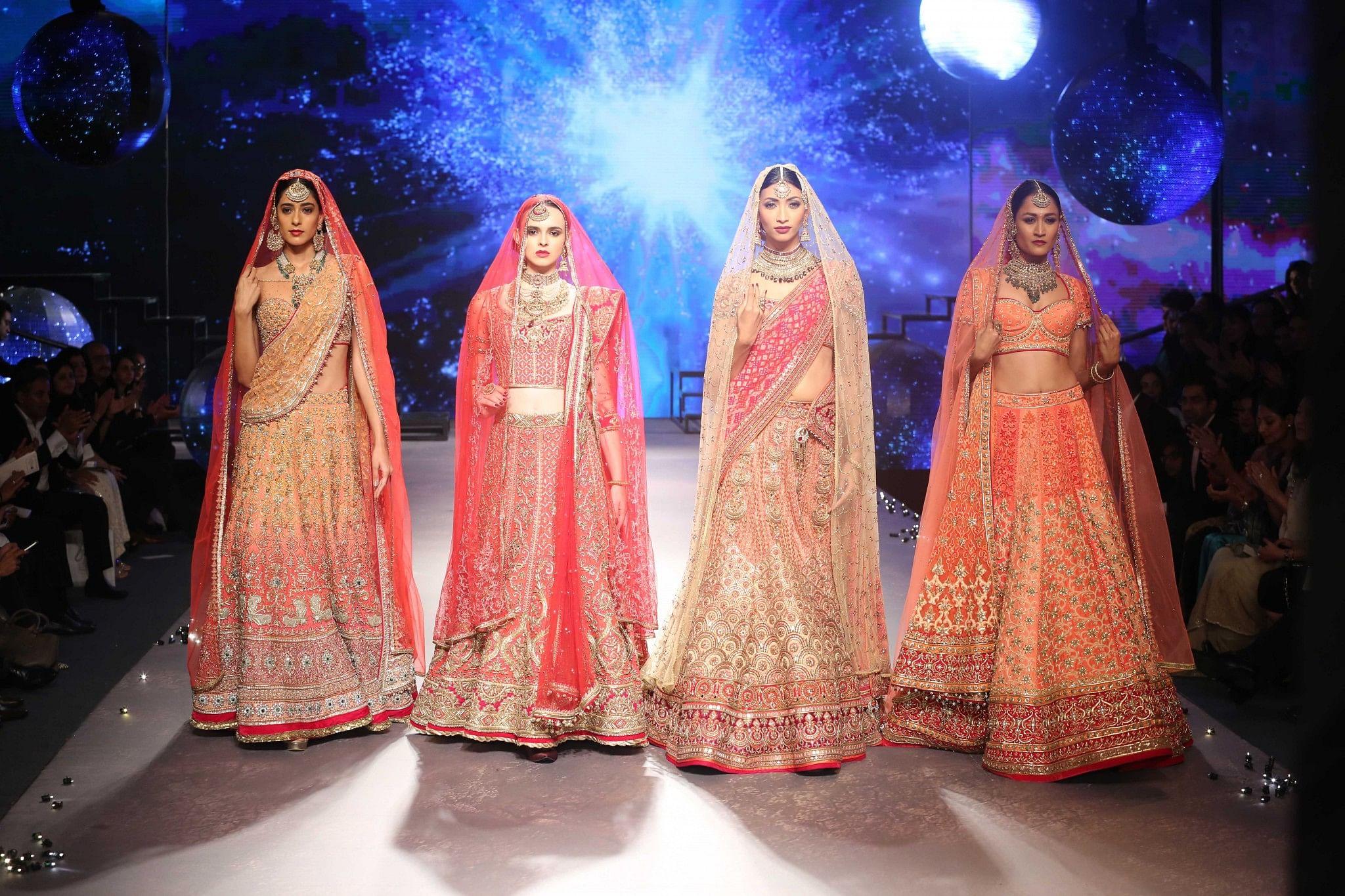 Fashion guru Tarun Tahiliani is well-known for his bridal wear and is a self-confessed aficionado of the Kanjivaram and Banarasi weaves. (Courtesy Tarun Tahiliani)