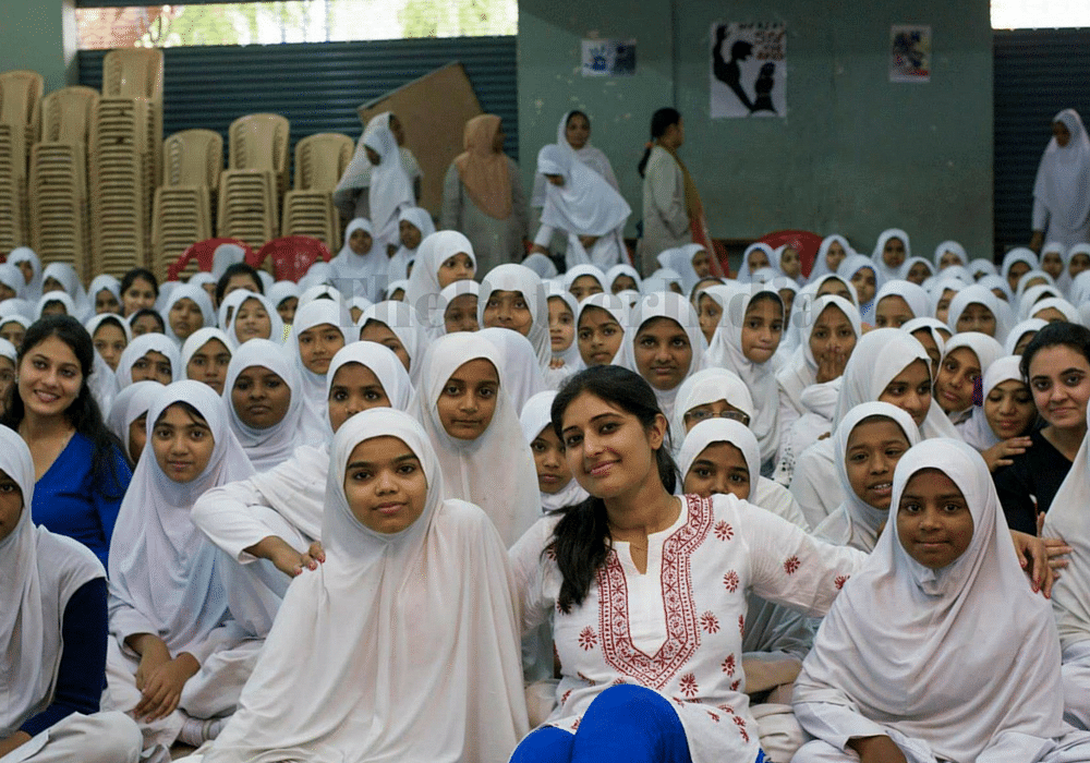 Juhi Ramani with her students