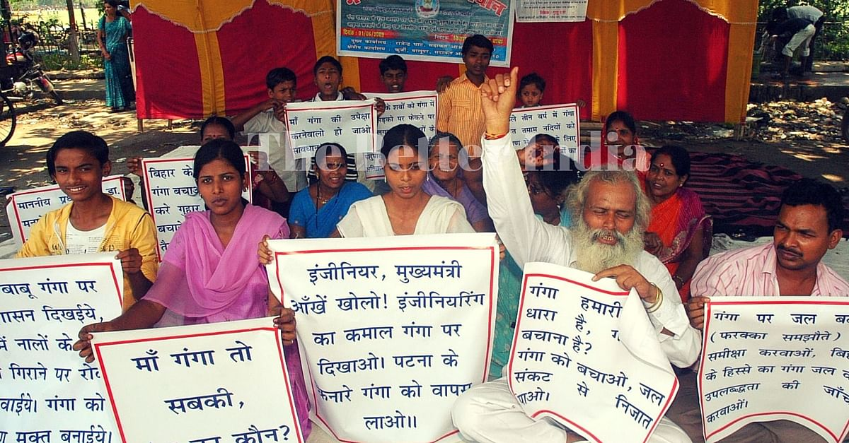 Vikas organizes rallies and awareness campaigns to save the holy river.