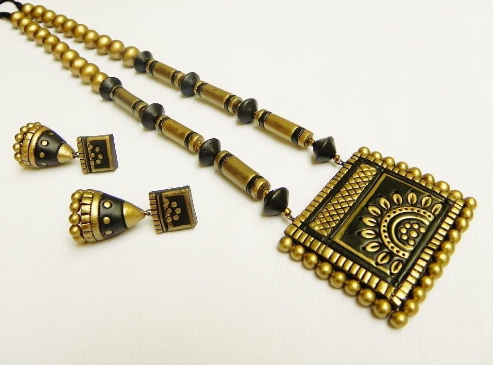 Handmade Jewellery Made of Wood, Terracotta, Ceramic, Jute & Bamboo