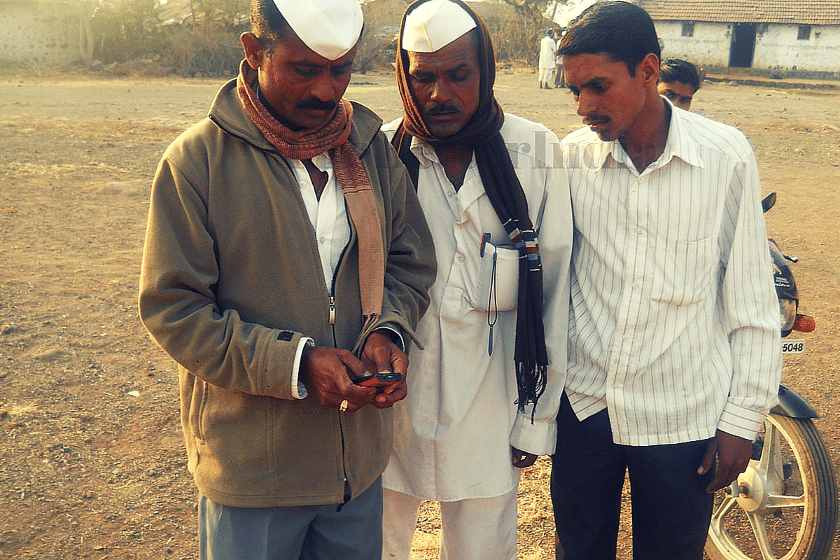 Farmers in Rural Maharashtra are Fighting Climate Change. With Just a Mobile Phone.