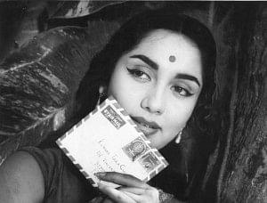 Sadhana passes away