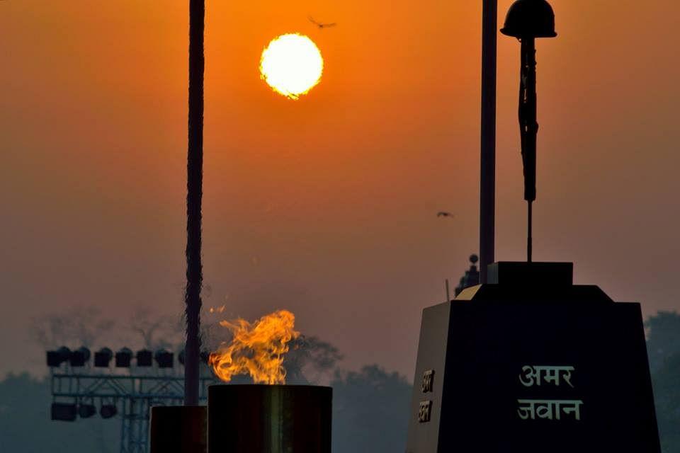 Amar jawan jyoti delhi holidify amar jawan jyoti source thecheapjerseys Images