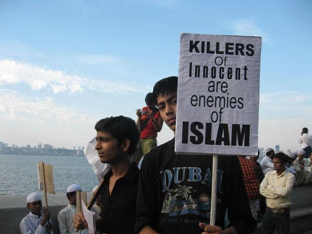 muslims against isis