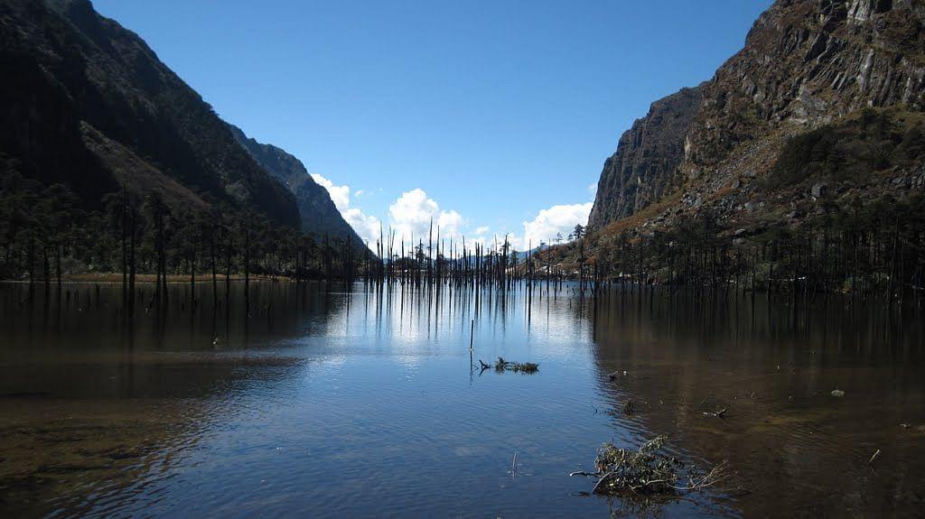 Shonga tser lake, Tawang Pic source: http://www.sid-thewanderer.com/2010/12/tawang-part-1-journey-to-town-and-lakes.html