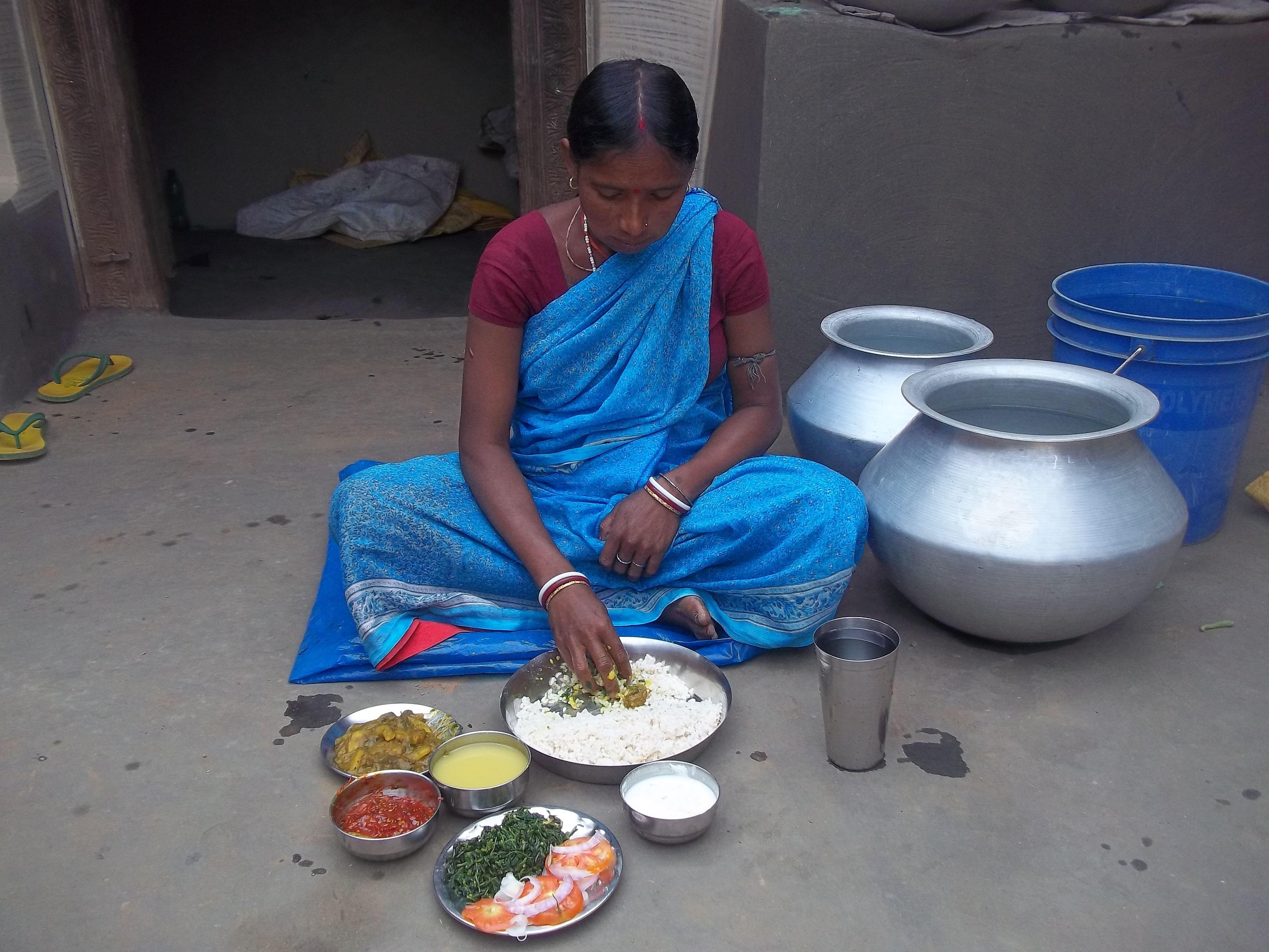 In Kasudih village, which is part of the Tatkiyo panchayat, Sheela Devi has taken to cooking 'tiranga bhojan' to ensure proper nutrition for the family. (Credit: Saadia Azim\WFS)